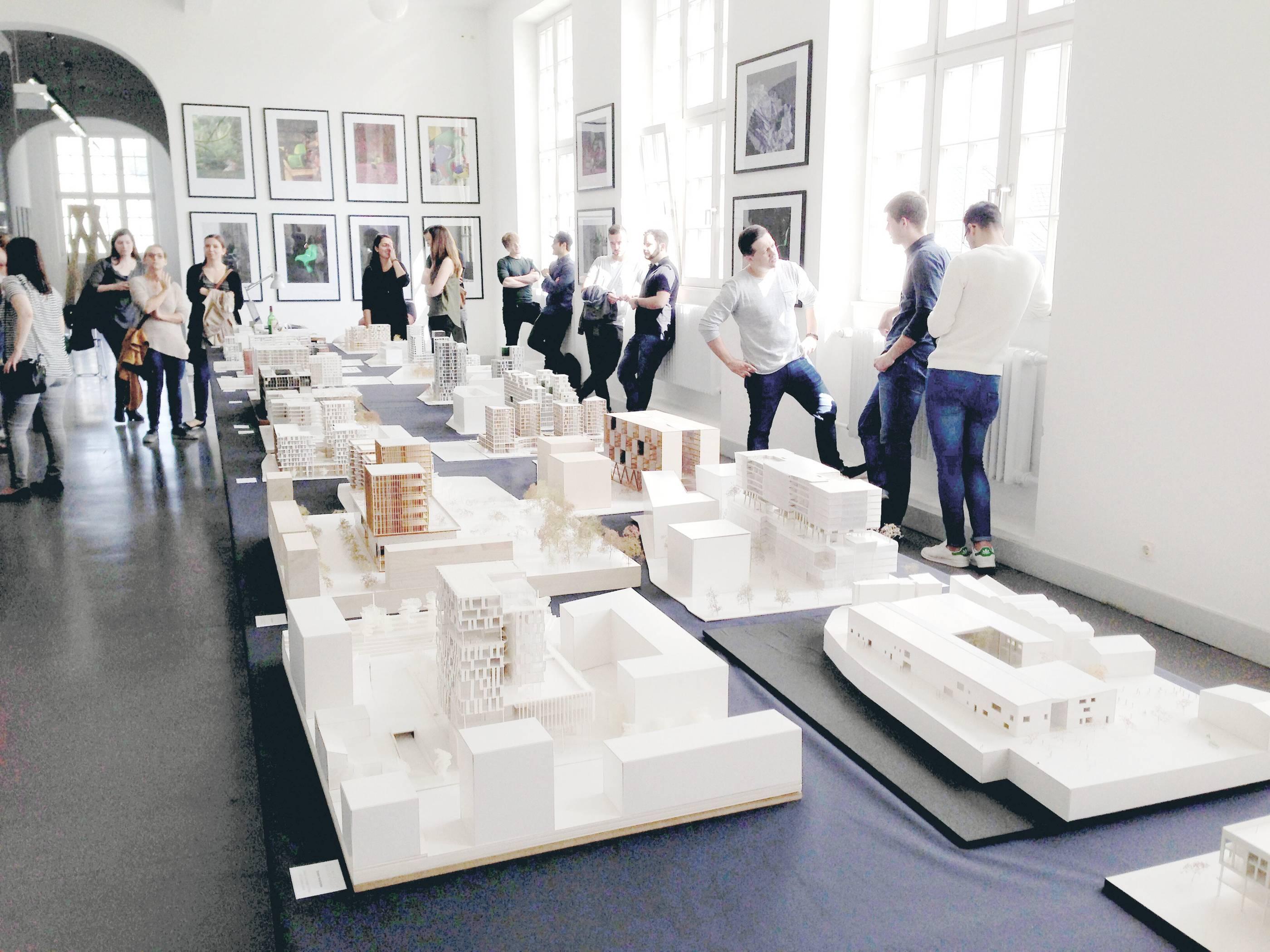 Bilder aus 21 Jahren Campus Gestaltung der Hochschule Trier