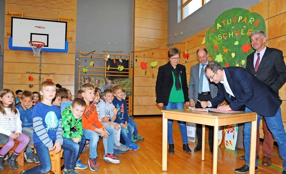 Nach z sch startet beuren als zweite naturpark schule in for Dietmar heck