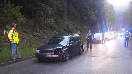 Unfall auf der K36 bei Naurath - Autos Totalschaden - Fünf Frauen ...