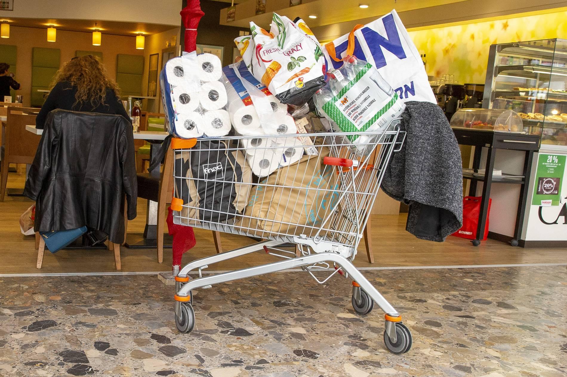 Corona Krise Warum Menschen Hamsterkaufe Machen Konsumforscher Im Interview