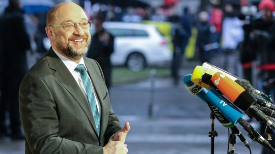 Schulz bestätigt SPD-Spitze empfiehlt Koalitionsverhandlungen mit Union