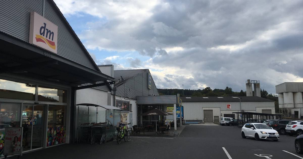 Unternehmer lässt Gesteinswerk in Gerolstein abreißen und Halle...