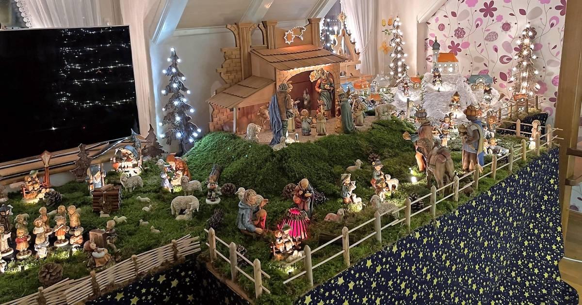 Weihnachtswelt im Wohnzimmer von Helga und Johann Crames
